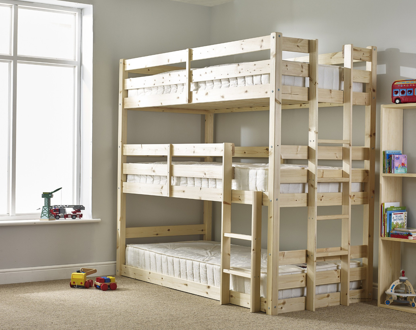 Triple bunk beds 3 high uk funtime triple bunk beds for Single bunk bed