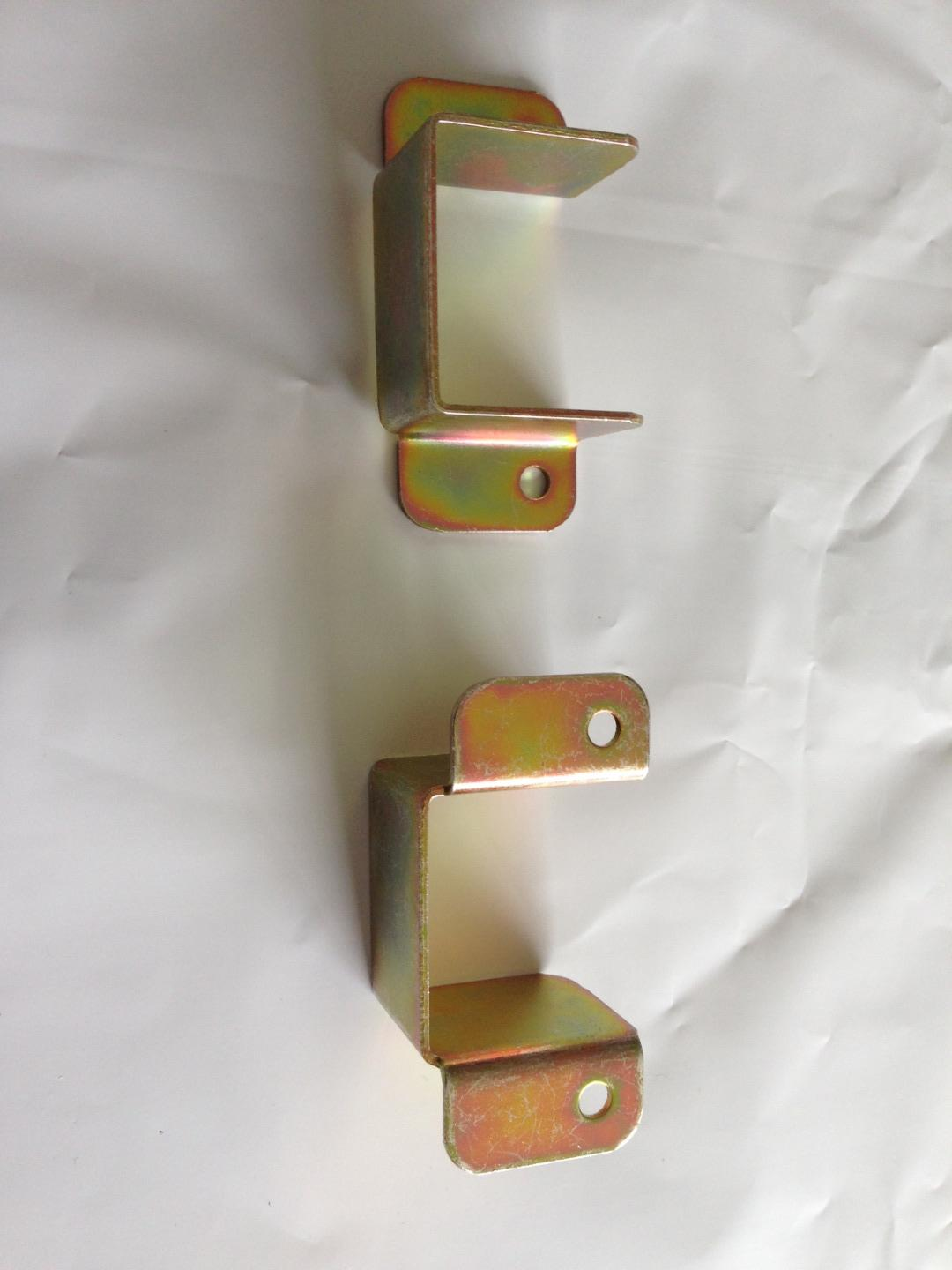 Pack of two metal centre rail brackets