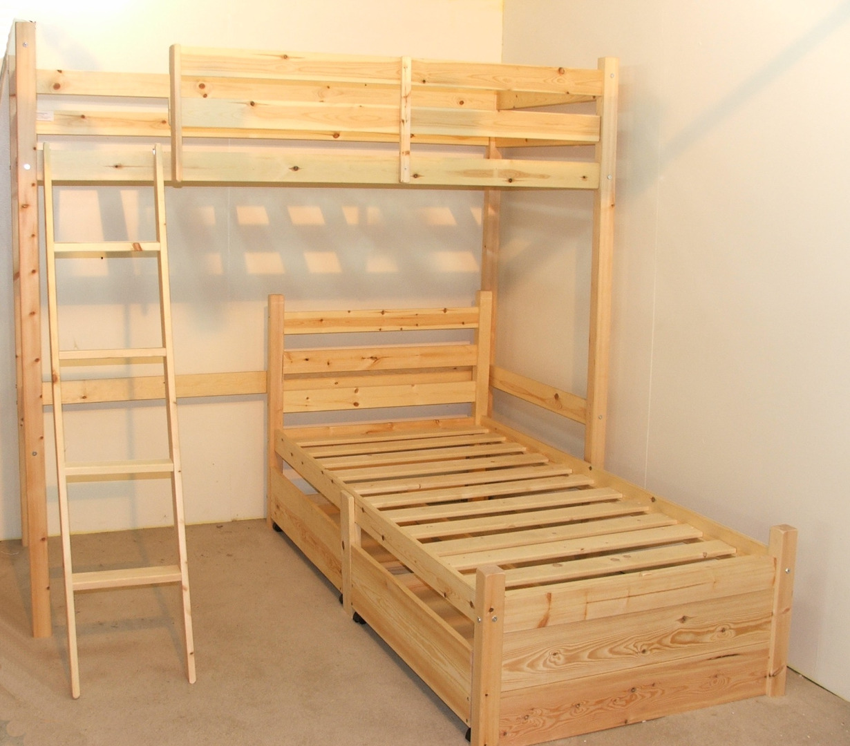 Delta 3ft Single HEAVY DUTY HIGH Solid Pine L SHAPED Bunk Bed