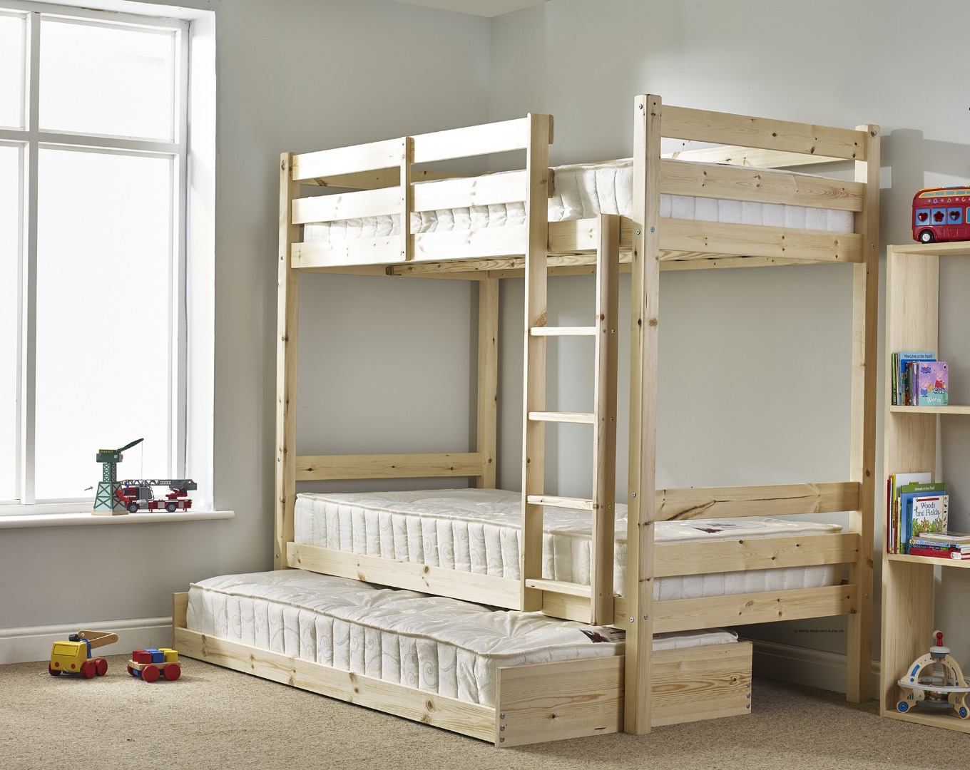 Everest 2ft 6 Small Single SHORT LENGTH Solid Pine HIGH Bunk Bed with guest bed